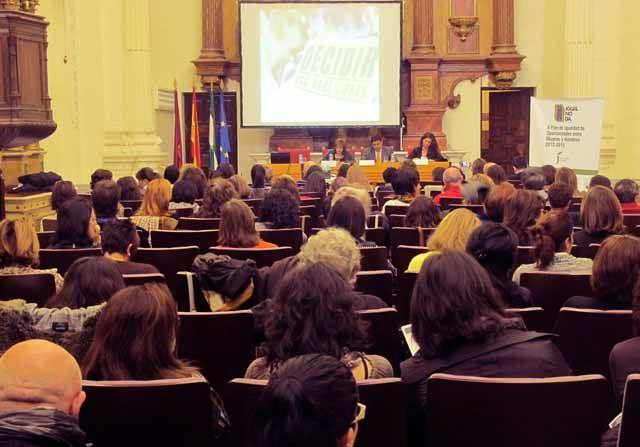Francisco Reyes asegura que la Diputación seguirá situando la igualdad en el centro de sus políticas de presente y futuro