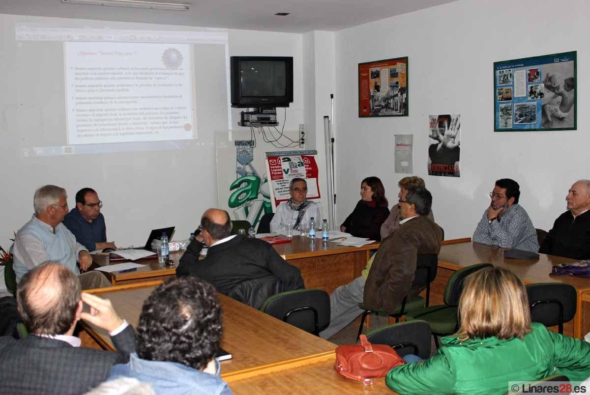 Unas 70 personas acuden a la asamblea de constitución del Frente Cívico de Linares