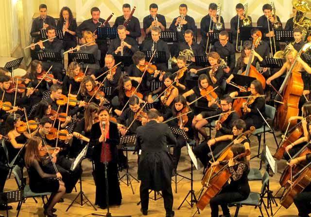 La provincia de Jaén escucha por primera vez su Himno Oficial de la voz de Carmen Linares