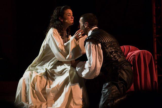 …y en medio, Don Juan