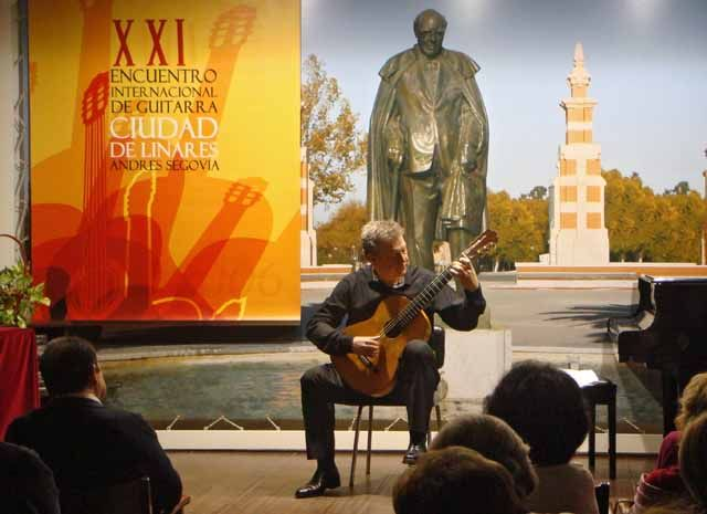 Tom Kerstens interpreta sus transcripciones de las más populares obras de I. Albéniz