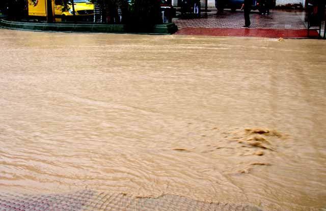 La carretera A-303, de Linares a Guarromán, permanece cortada como consecuencia de las fuertes lluvias