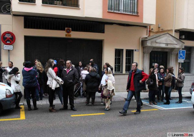 Trabajadores de Urbaser a las puertas del Ayuntamiento