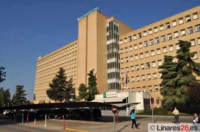 El Hospital San Agustín de Linares incorpora una nueva técnica quirúrgica para pacientes con problemas de lagrimeo continuo o rija