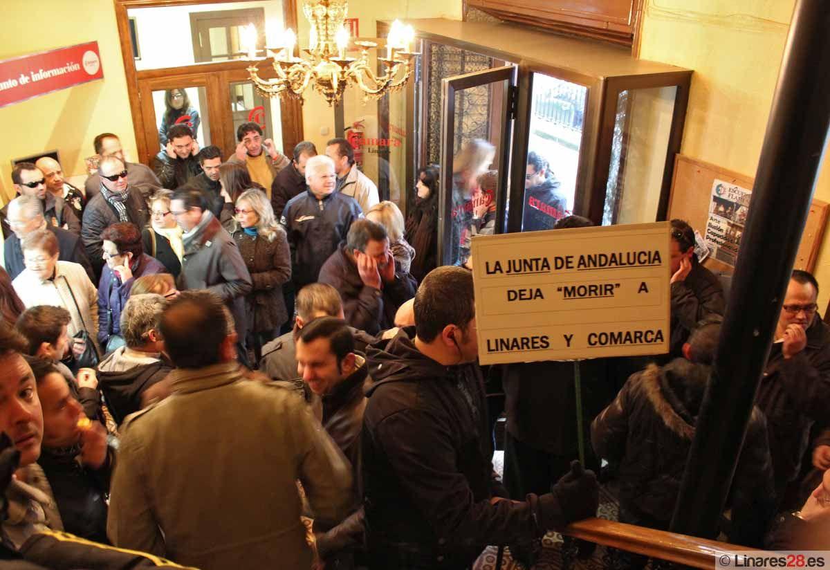 Trabajadores de los colectivos B y C de Santana comienzan las movilizaciones pidiendo un plan industrial para Linares