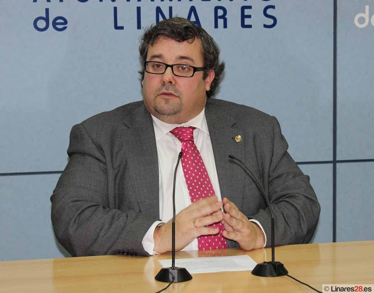 Moya insiste en la importancia de hacer una valoración realista de los ingresos en los Presupuestos Municipales de 2013