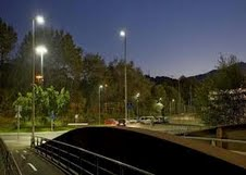 El PA de Linares reivindica un alumbrado inteligente en función de la presencia de viandantes en la zona