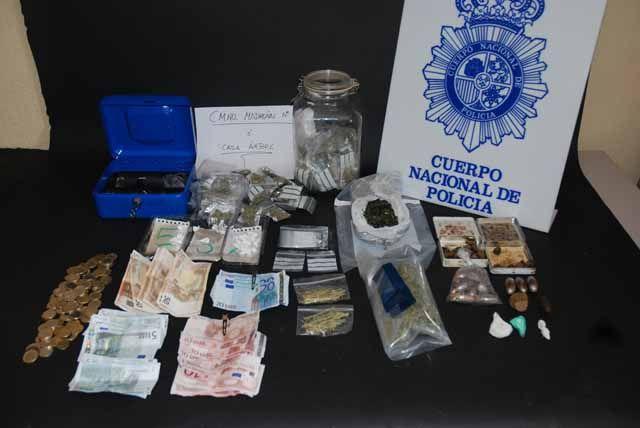 La Policía Nacional desarticula una organización criminal dedicada al tráfico ilícito de drogas en Linares