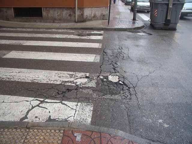 El PA de Linares solicita al Ayuntamiento el arreglo, limpieza y mantenimiento de aceras y calles