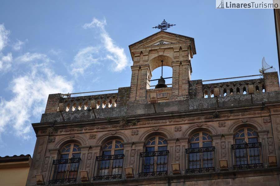 Las direcciones de los centros públicos linarenses apoyan la eliminación de un concierto educativo en una unidad de 3 años en un centro privado de la ciudad