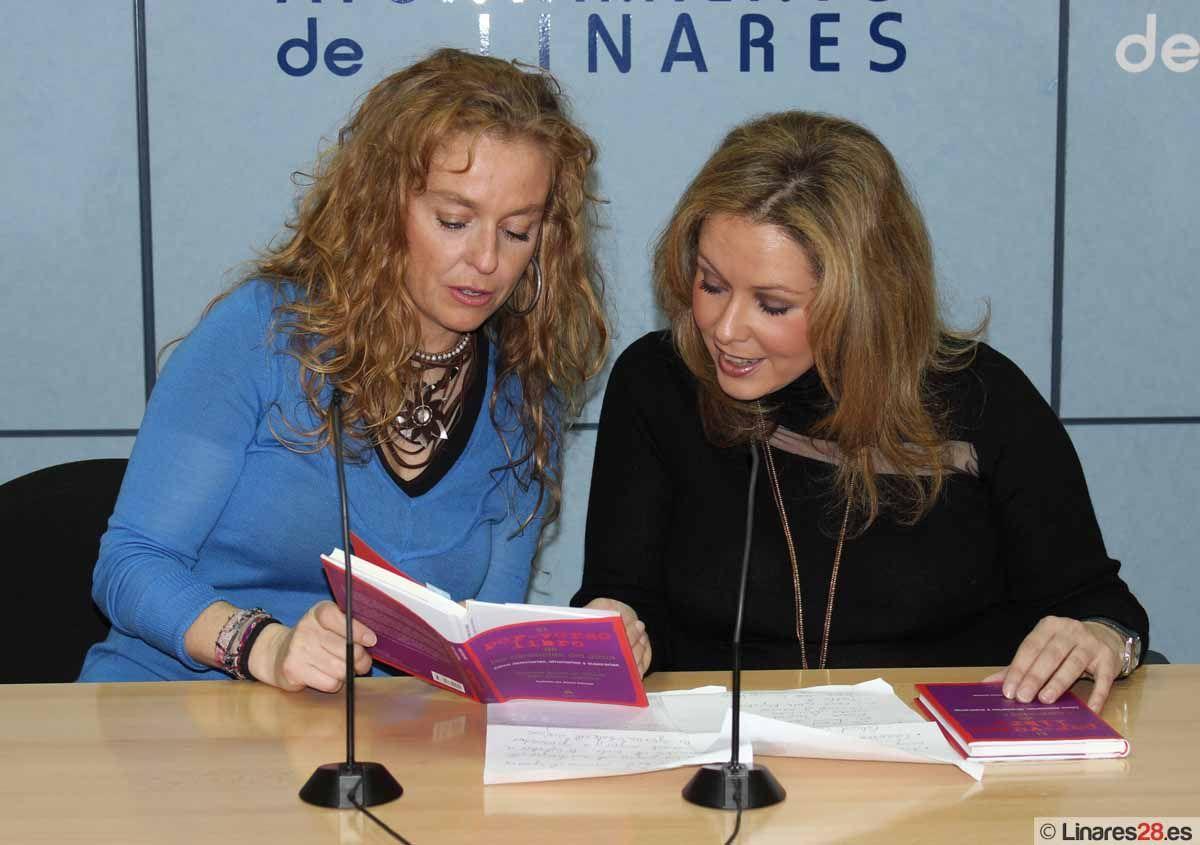 """Yolanda Sáenz de Tejada presenta """"El per-verso libro de las carencias del alma"""" en Linares"""