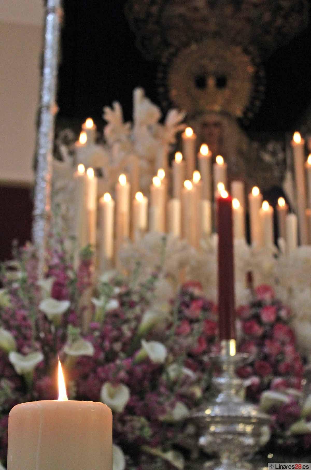 Un lluvioso Domingo de Resurrección cierra la Semana Santa de Linares 2013