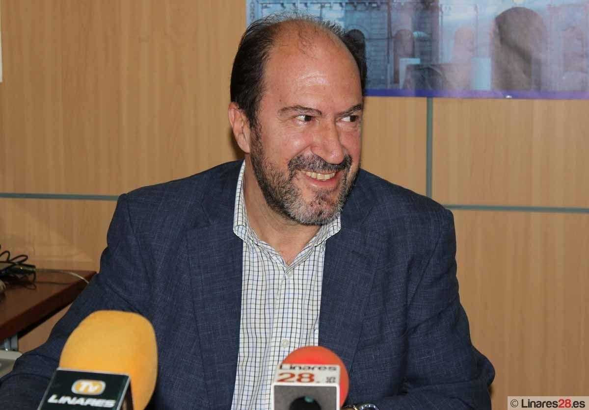 Urbaser se vuelve a adjudicar el servicio de limpieza viaria de Linares