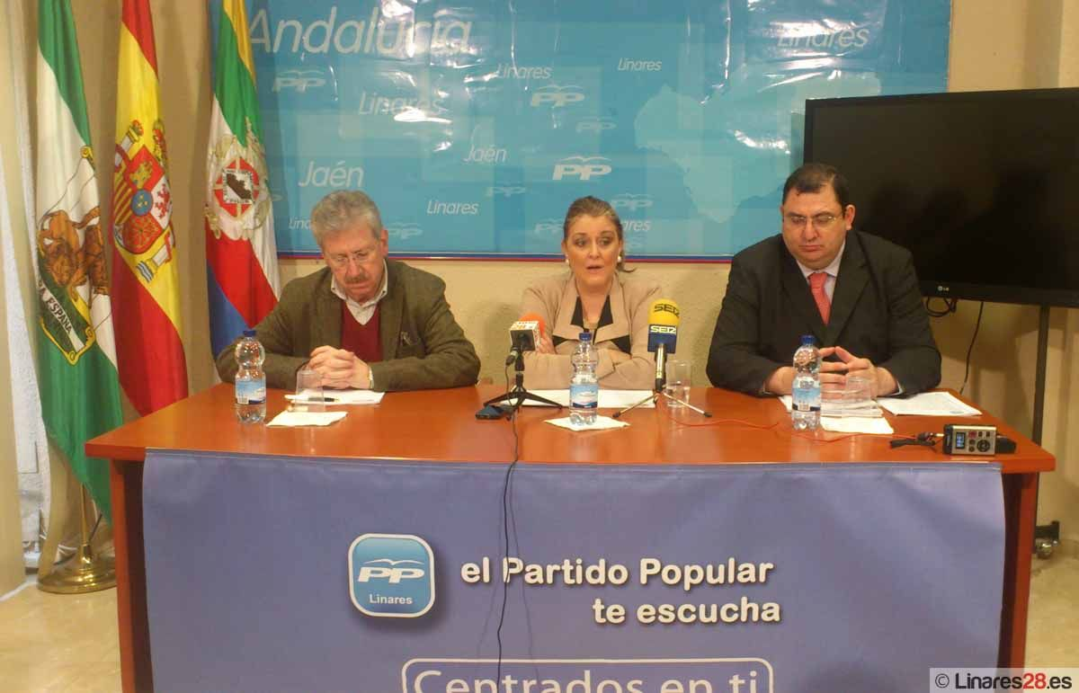 El PP de Linares hace balance del primer año de gobierno de PSOE e IU en la Junta