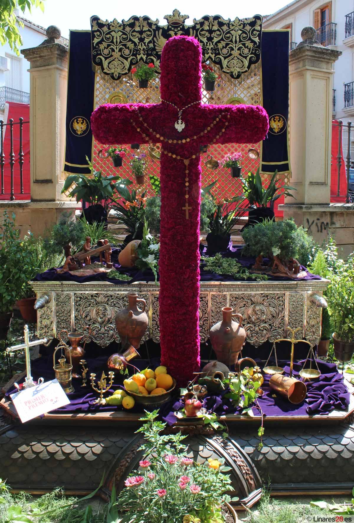 La cruz de El Nazareno gana el primer premio del concurso