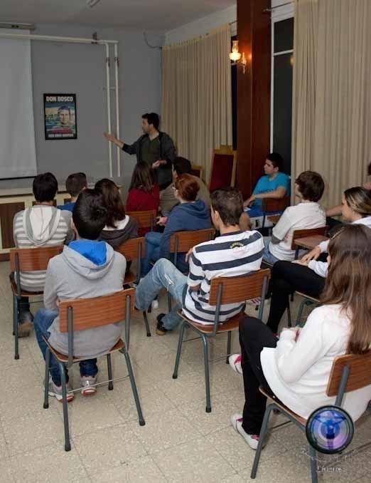 """Charla divulgativa sobre fotografía en el Colegio Salesiano """"San Agustín"""""""
