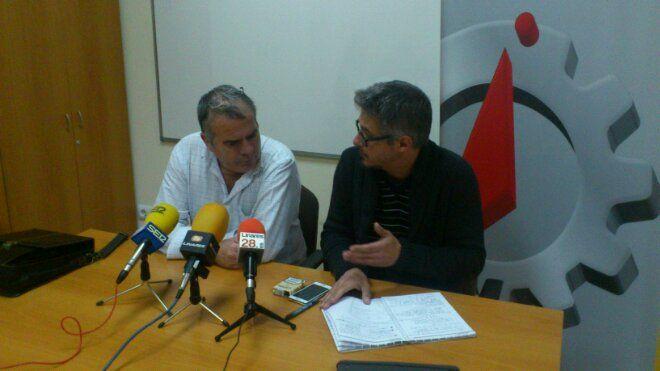 En estos momentos, rueda de prensa de CCOO y UGT
