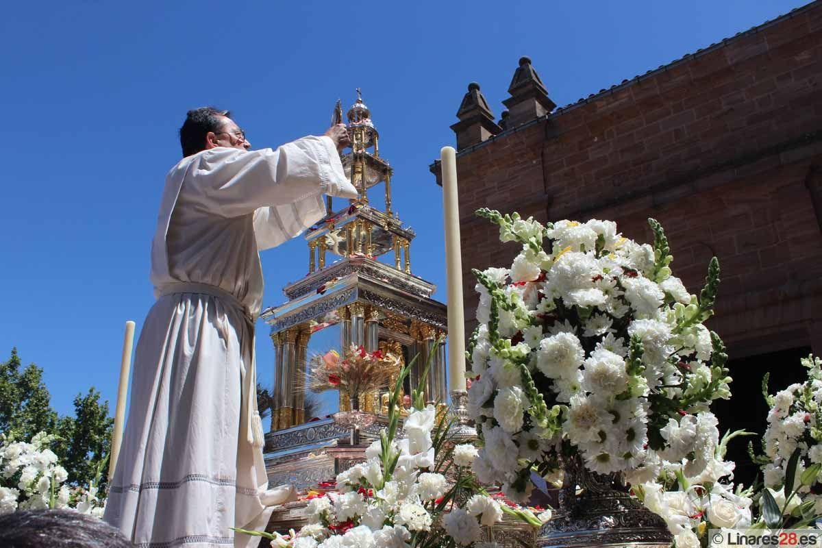Linares vivió su procesión de Corpus Christi