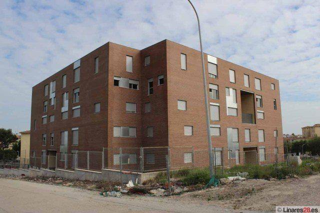 La Junta rehabilitará zonas comunes de 336 viviendas públicas de Linares