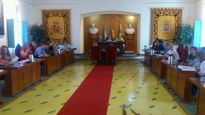 Comienza el Pleno Ordinario del Ayuntamiento de Linares en la Estación de Madrid