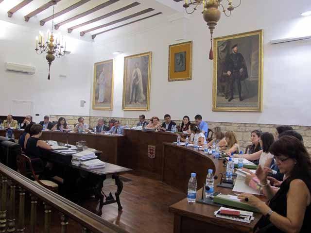 Aprobadas por unanimidad dos nuevas órdenes de ayudas para autónomos en municipios de menos de 20.000 habitantes