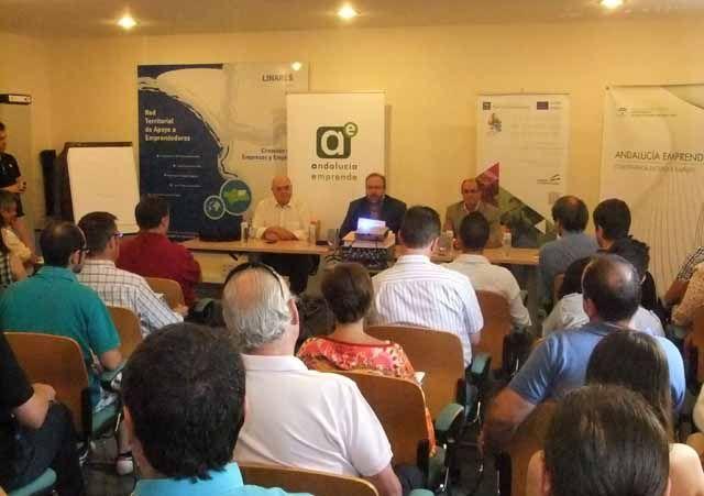 Jornada para emprendedores sobre recursos para empresas en el CADE de Linares