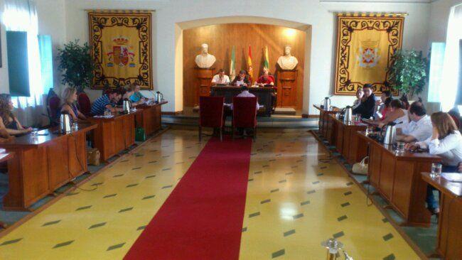 En estos momentos, comienza el Pleno del Ayuntamiento de Linares