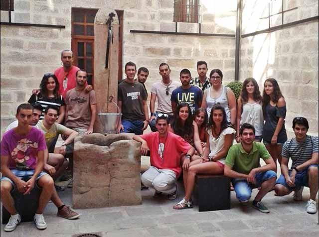 Los voluntarios del campo de trabajo de Cástulo conocen Linares