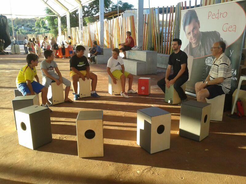 Cientos de jóvenes disfrutan del verano más joven de Linares
