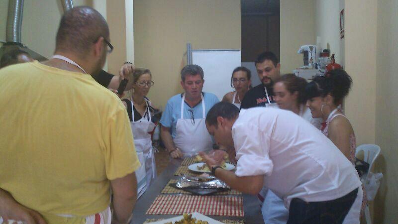 Finaliza el curso de Operaciones Básicas de Cocina organizado por Cruz Roja Linares
