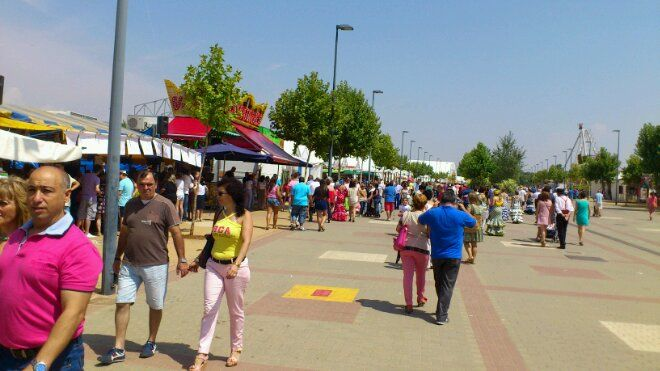 Gran ambiente de Feria en el día de San Agustín