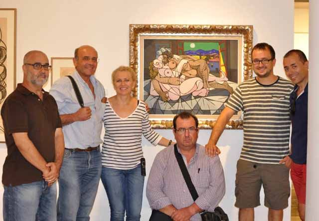 """Componentes del """"Grupo f/8 Fotografía"""" de Linares visitan el museo de Zabaleta"""