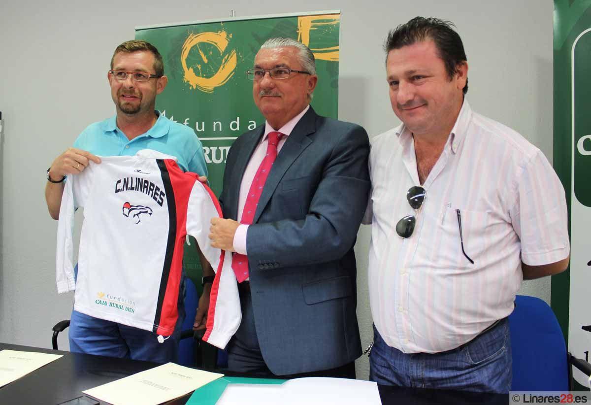 El Club de Natación Linares firma un convenio con la Fundación Caja Rural