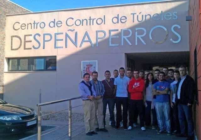 Alumnos del Máster de Transporte de la EPSL visitan infraestructuras de trasporte por carretera