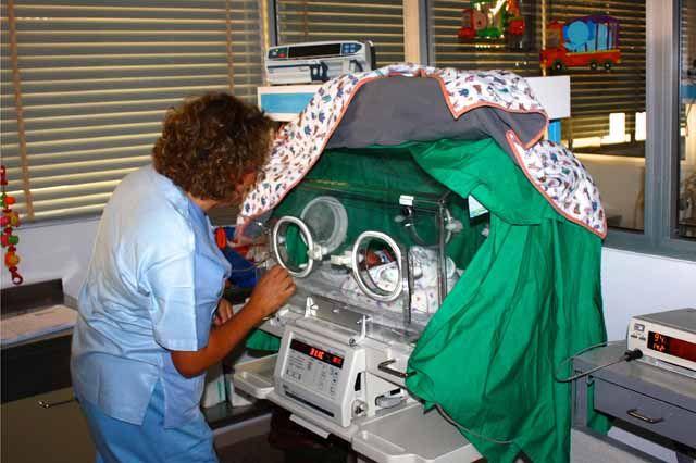 El Hospital de Linares participa en el 'Proyecto Acuna' para el seguimiento y atención a los bebés 'prematuros tardíos'