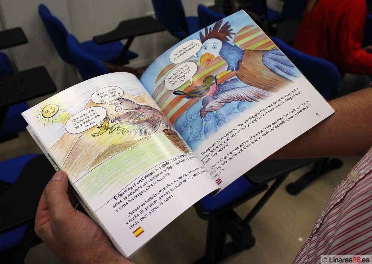 """El Area Sanitaria Jaén Norte presenta el libro """"El águila y el gorrión"""" en el Hospital de Linares"""