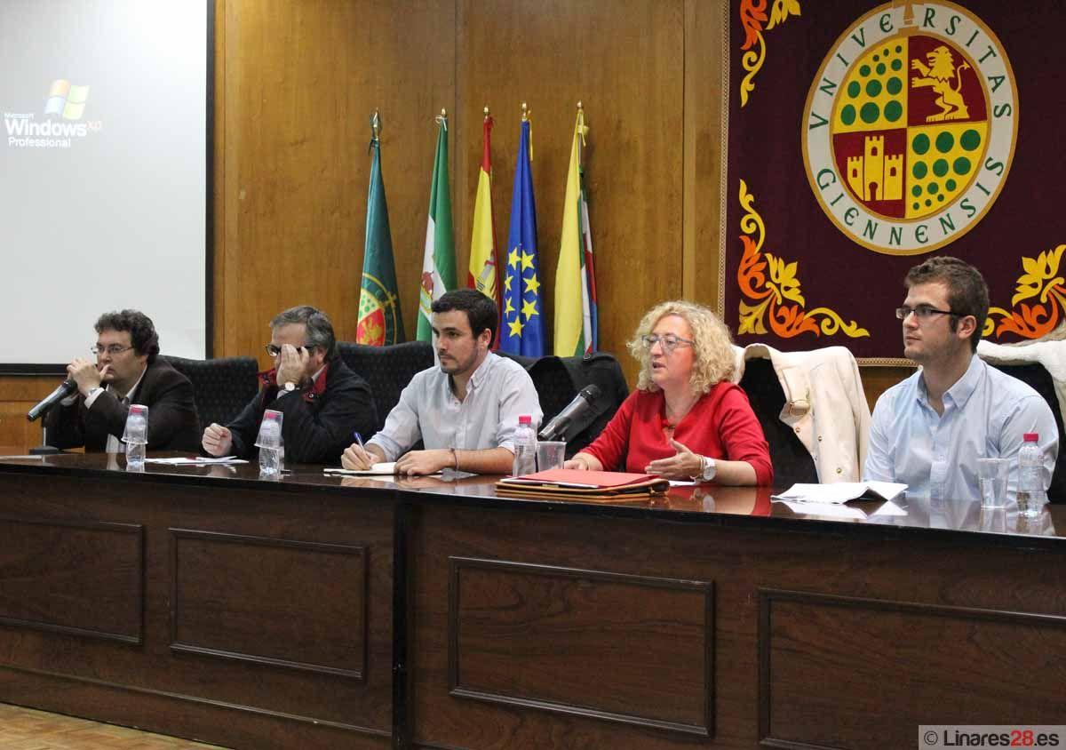 Alberto Garzón llena el salón de actos de la EPSL
