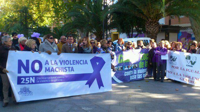 En estos momentos, marcha contra la violencia de género