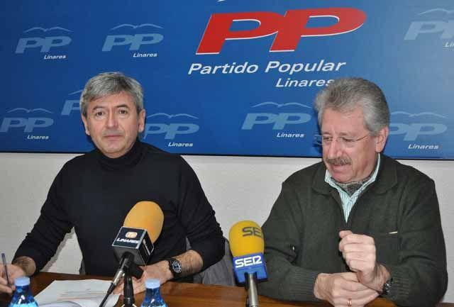 Momento de la rueda de prensa del PP