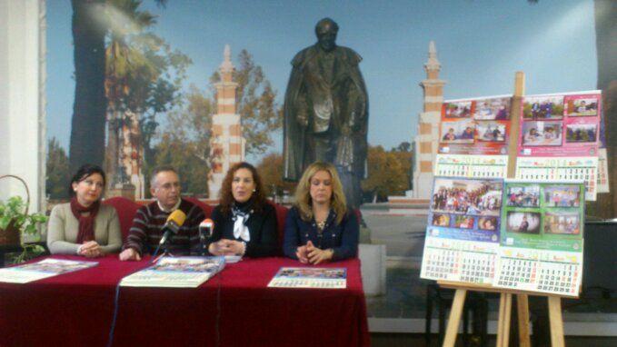 En estos momentos,  presentación de calendario solidario de la Coral Andrés Segovia