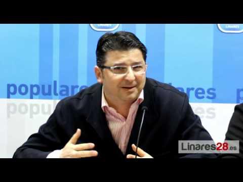 El Partido Popular de Linares recoge firmas para pedir unas instalaciones deportivas dignas