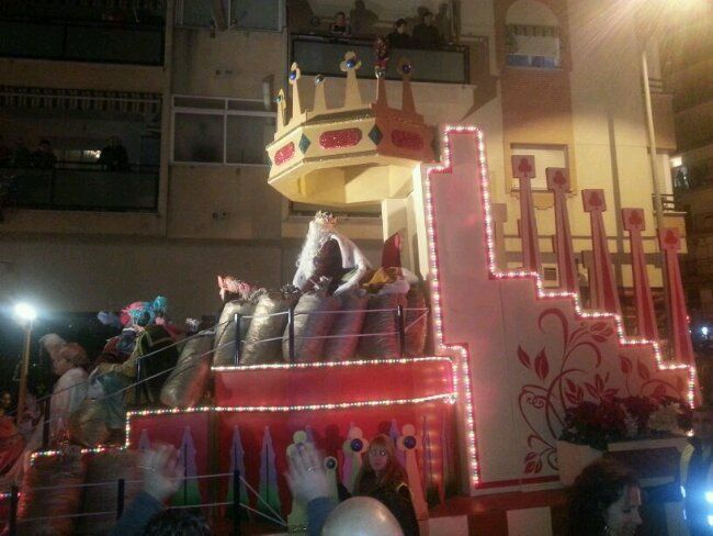 Los Reyes Magos en las calles de Linares