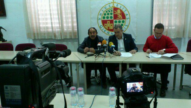 En estos momentos presentación convenio entre la UJA y el Linares Deportivo