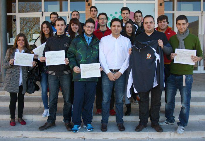 Entregados los diplomas del curso sobre 'Hábitos de vida saludable a través de la práctica deportiva'