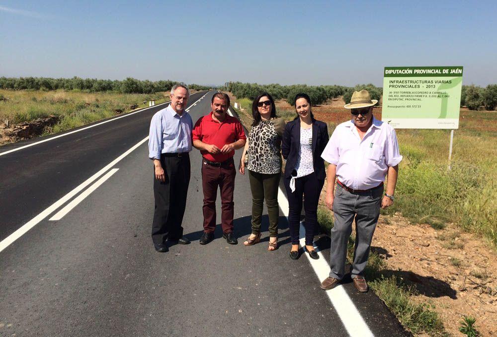 La carretera que comunica Torreblascopedro con Campillo del Río mejora su firme y su seguridad vial
