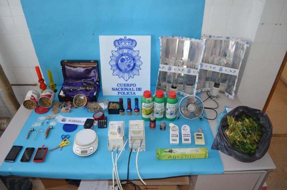 La Policía Nacional desmantela en Linares un invernadero-laboratorio dedicado al cultivo de plantas de marihuana