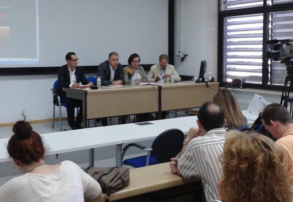 La Universidad de Jaén presenta en Linares el libro 'Boomerang Rojo'