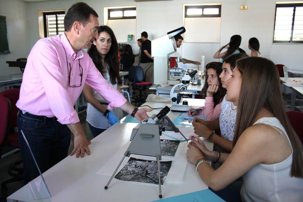 Estudiantes de ESO conocen las Ingenierías en la Escuela Politécnica Superior de Linares