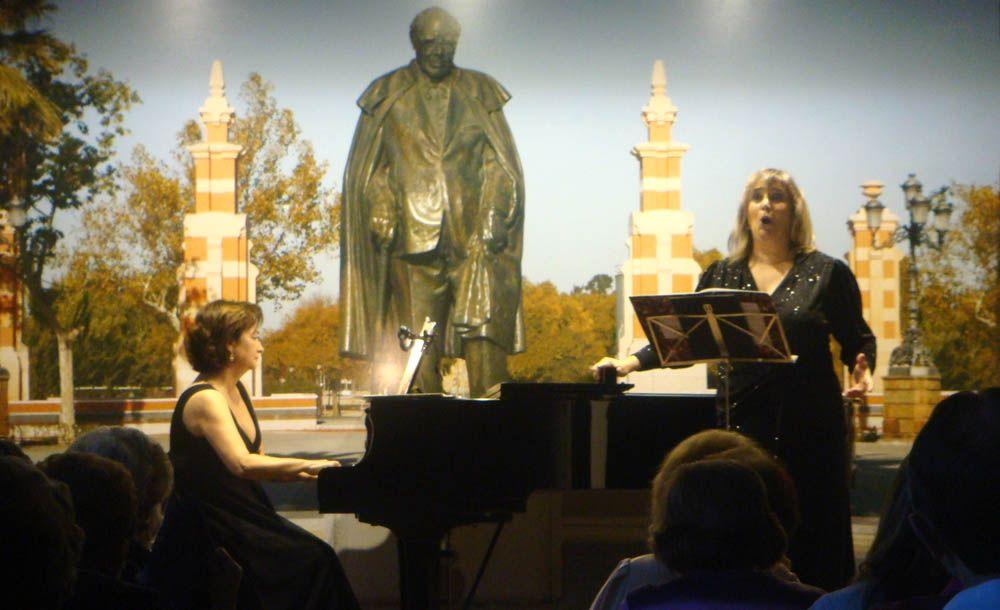Mateu y Ferrer interpretan música española en la Fundación