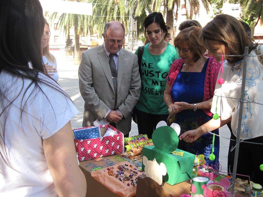 Cerca de 2.000 alumnos participan en la Feria del Emprendimiento de Linares